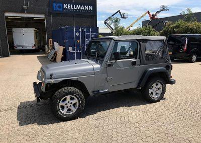 Folieindpakning af Jeep
