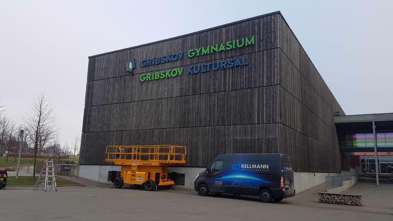 Facadeskilt til gribskov gymnasium